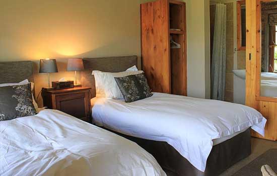 moolmanshoek-accommodationother-sandstone-mountain-view