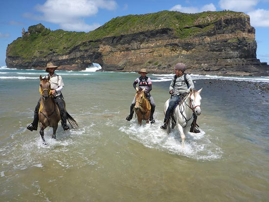 moolmanshoek-activities-horse-riding-wild-coast-trail